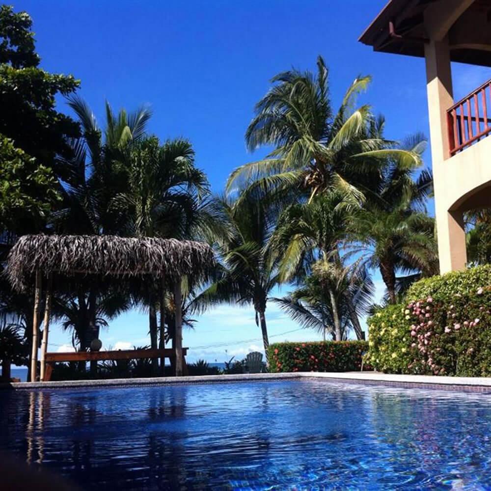 backyard hotel playa hermosa